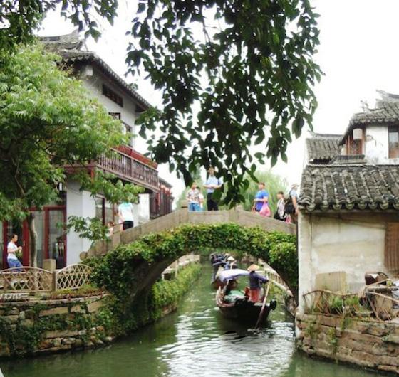 蘇州の観光スポット:中国江南地方の繊細な町並みを味わう