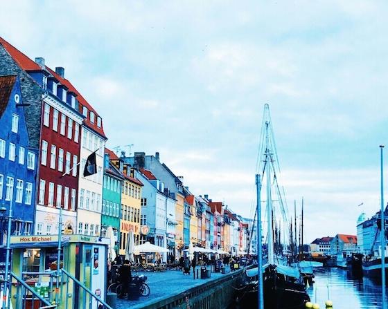 デンマーク・コペンハーゲンのおしゃれ観光スポット:自転車で散策できる童話の世界