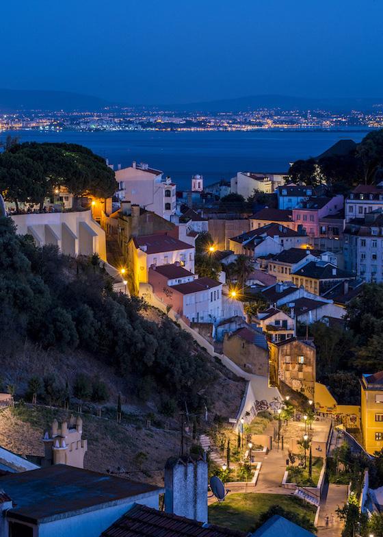 ポルトガル・リスボンのおしゃれ観光スポット:坂を登ってスイーツを食べる?!